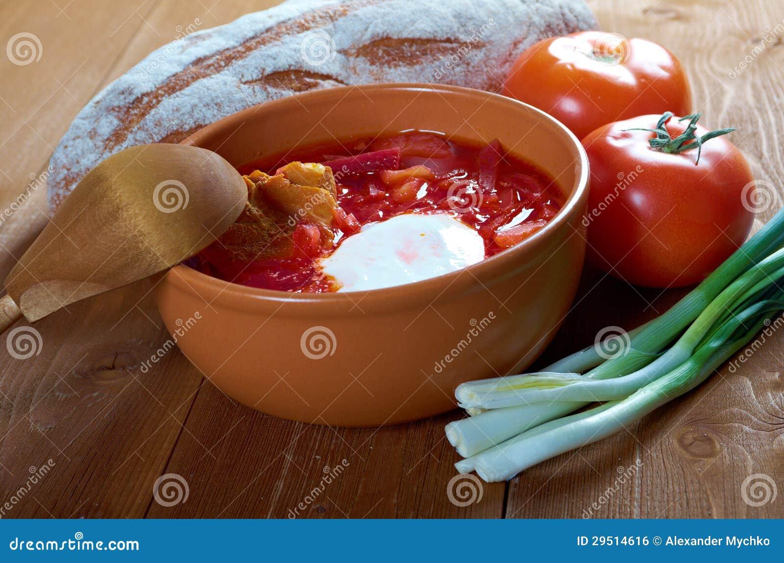 De soep van de rood-biet (borscht)