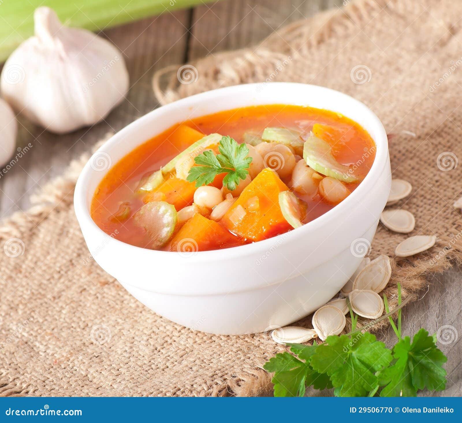De soep van de tomaat met pompoen
