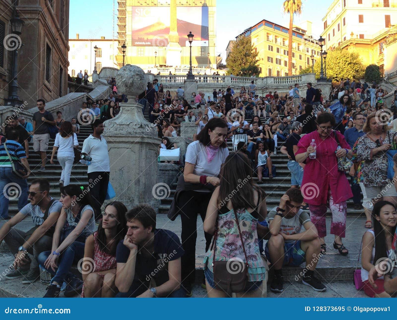 De Spaanse Stappen, Rome, Italië Toeristen op de stappen van Piazza Square Di Spagna Spanje