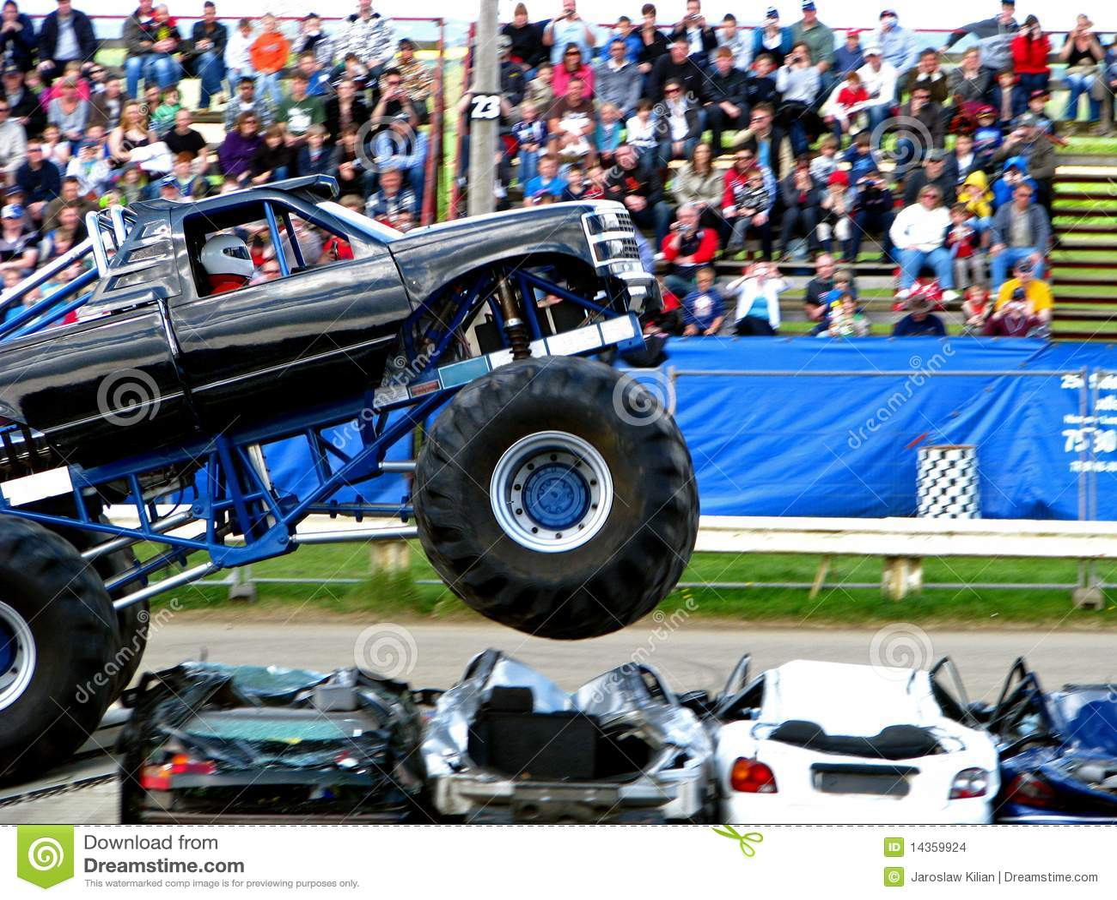 De Sprong van de Vrachtwagen van het monster