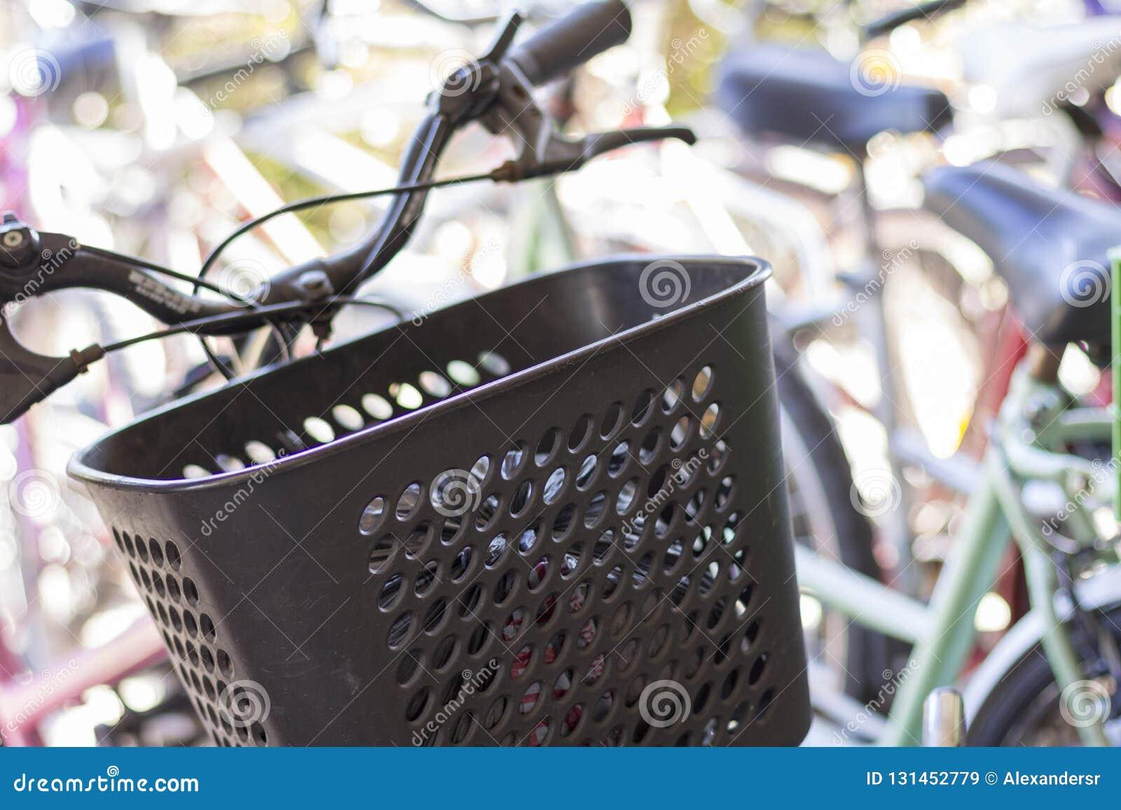 De Staat van Tigrebuenos aires/Argentinië 06/17/2014 Groep fietsen in Tigre Buenos aires Argentinië