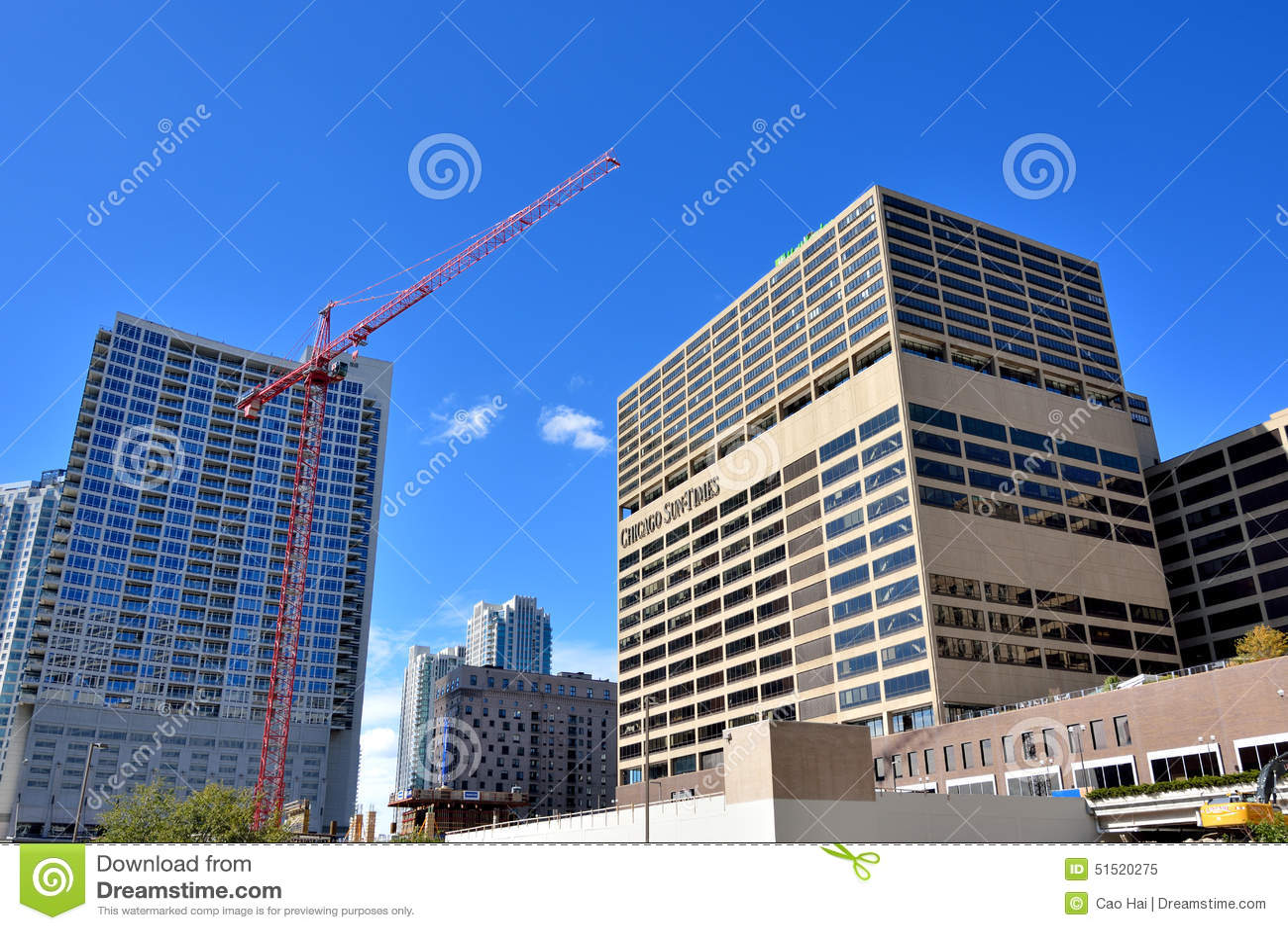 De stad en de bouw van Chicago naast de Rivier van Chicago