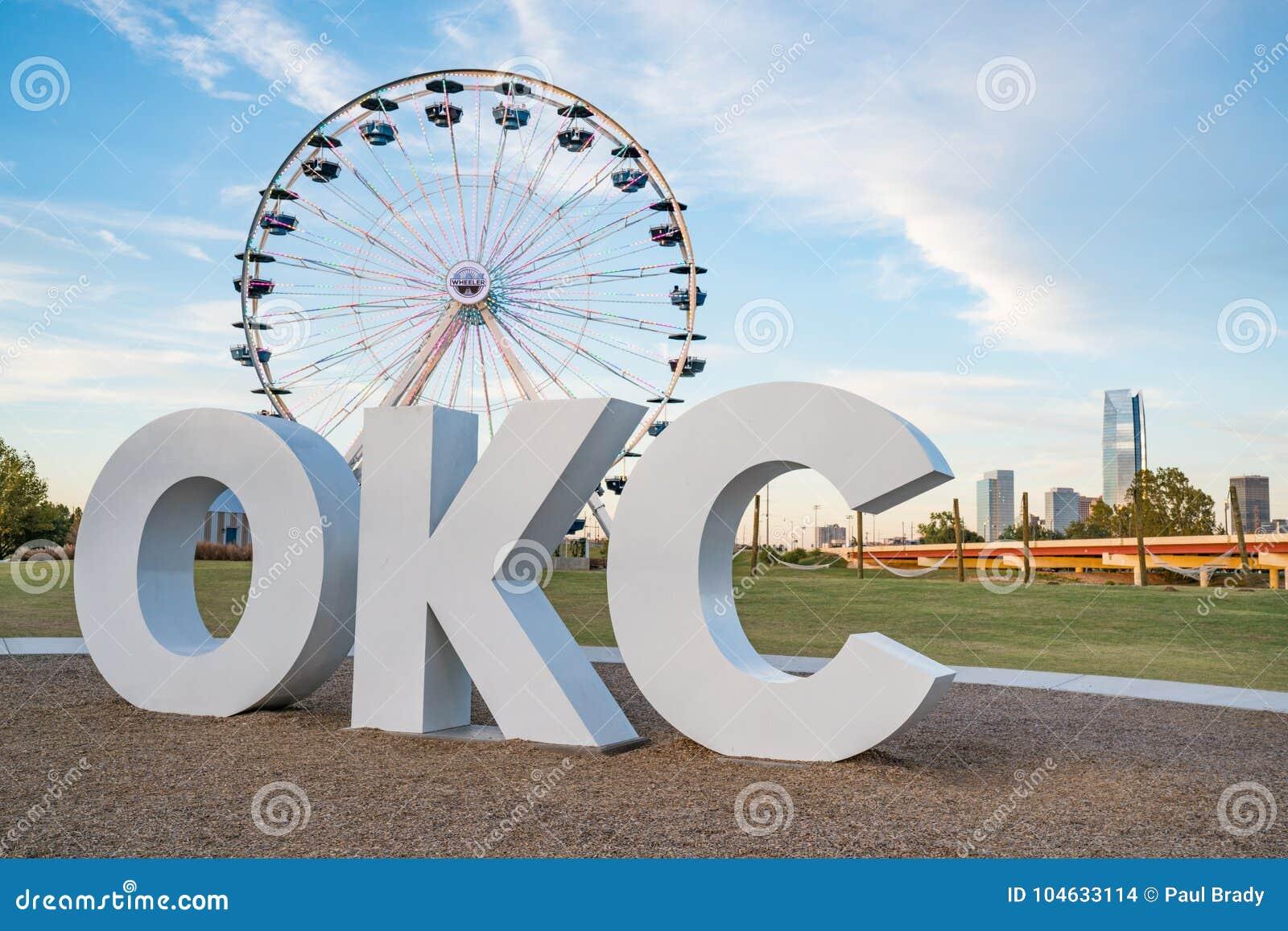 Download De Stad OKC Ferris Wheel Van Oklahoma Redactionele Stock Afbeelding - Afbeelding bestaande uit achtergrond, toren: 104633114