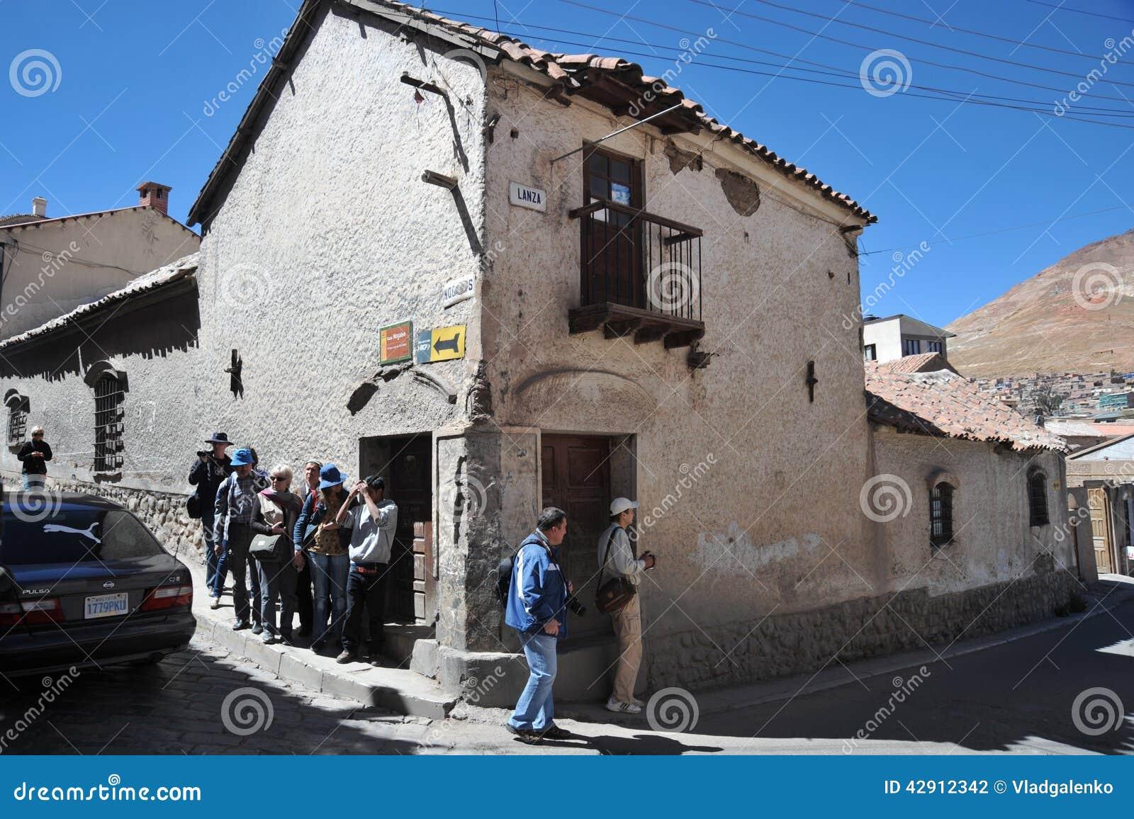 De stad Potosi Lokale inwoners op de stadsstraten