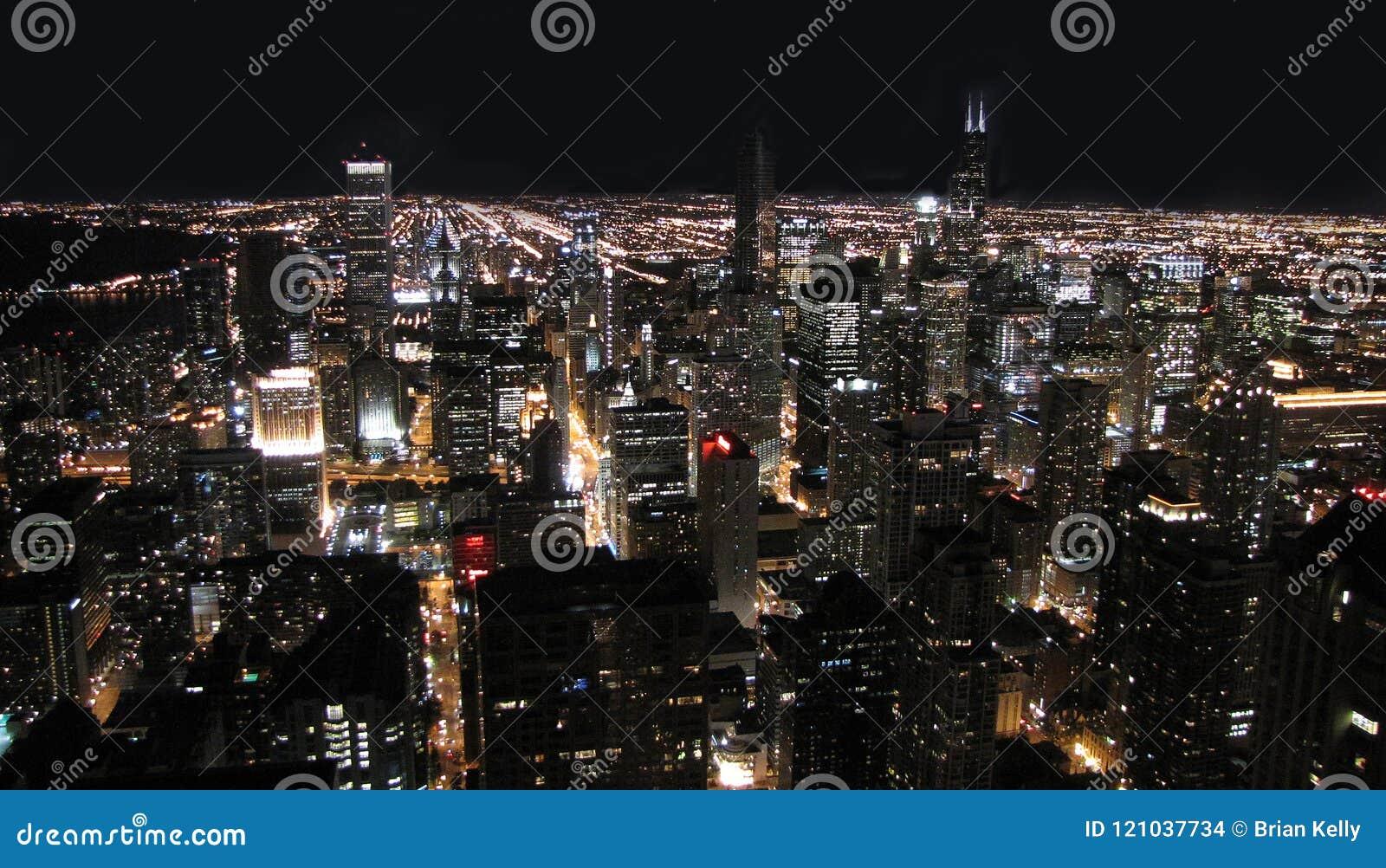 De stad van Chicago bij nacht