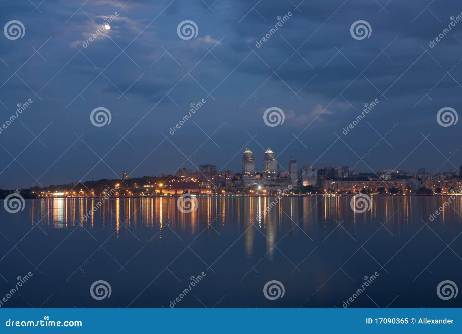 De stad van de avond