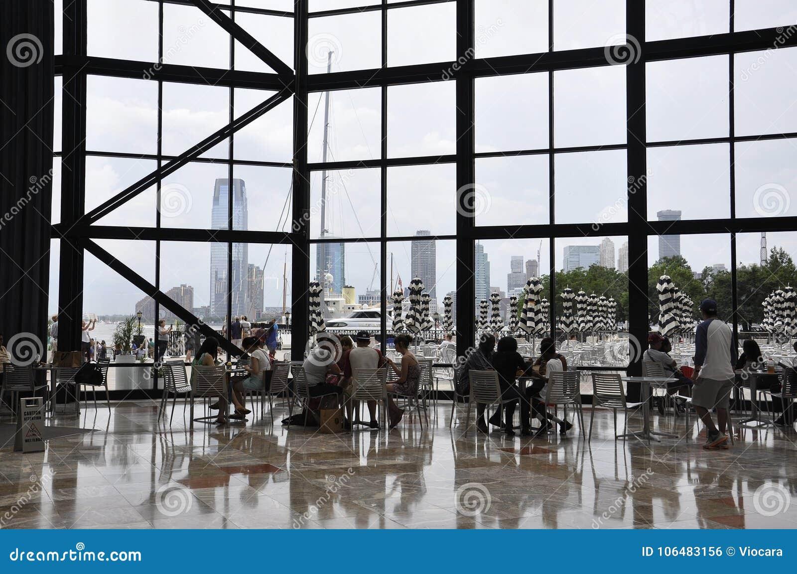 De Stad van New York, 2 Juli: Het binnenland van de Brookfieldplaats in Manhattan van de Stad van New York in Verenigde Staten