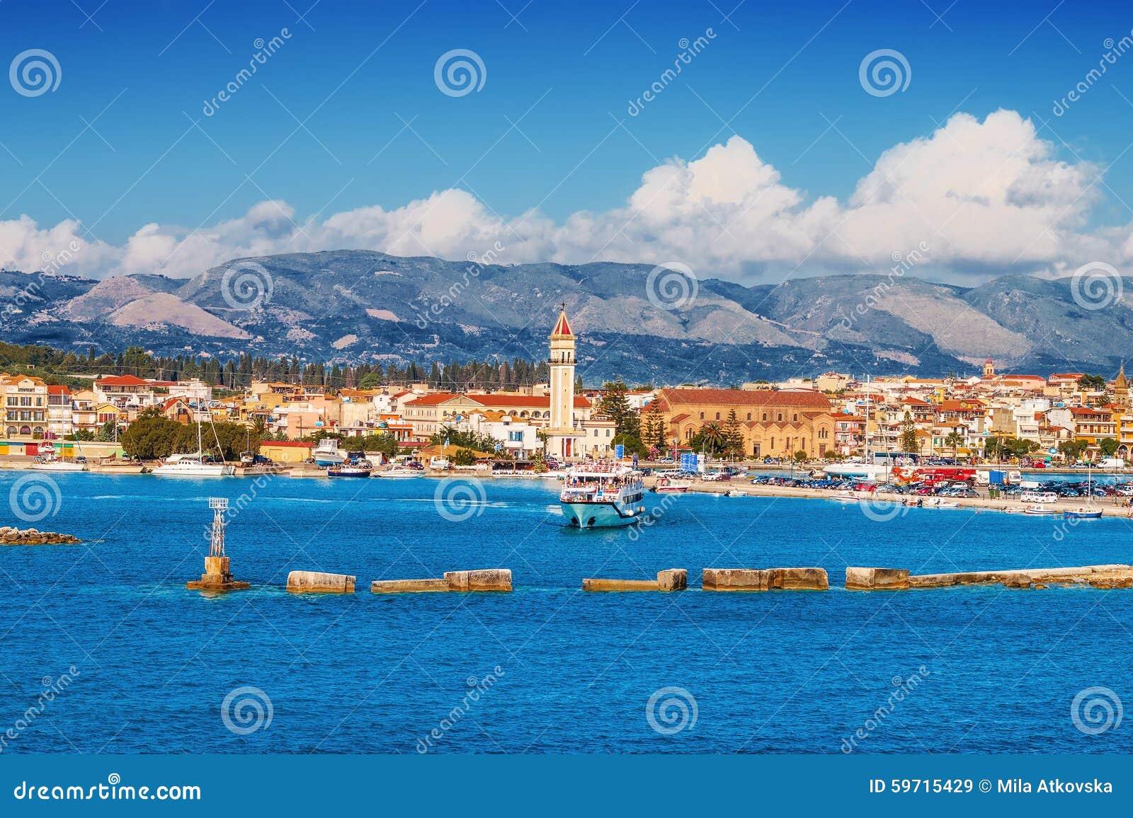 De stad van Zakynthos in de ochtend