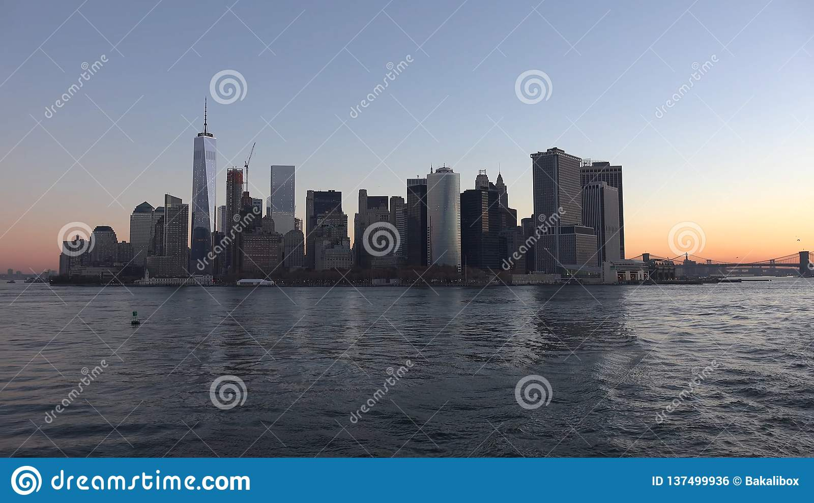 De Stadspanorama van New York met de Horizon van Manhattan over Hudson River