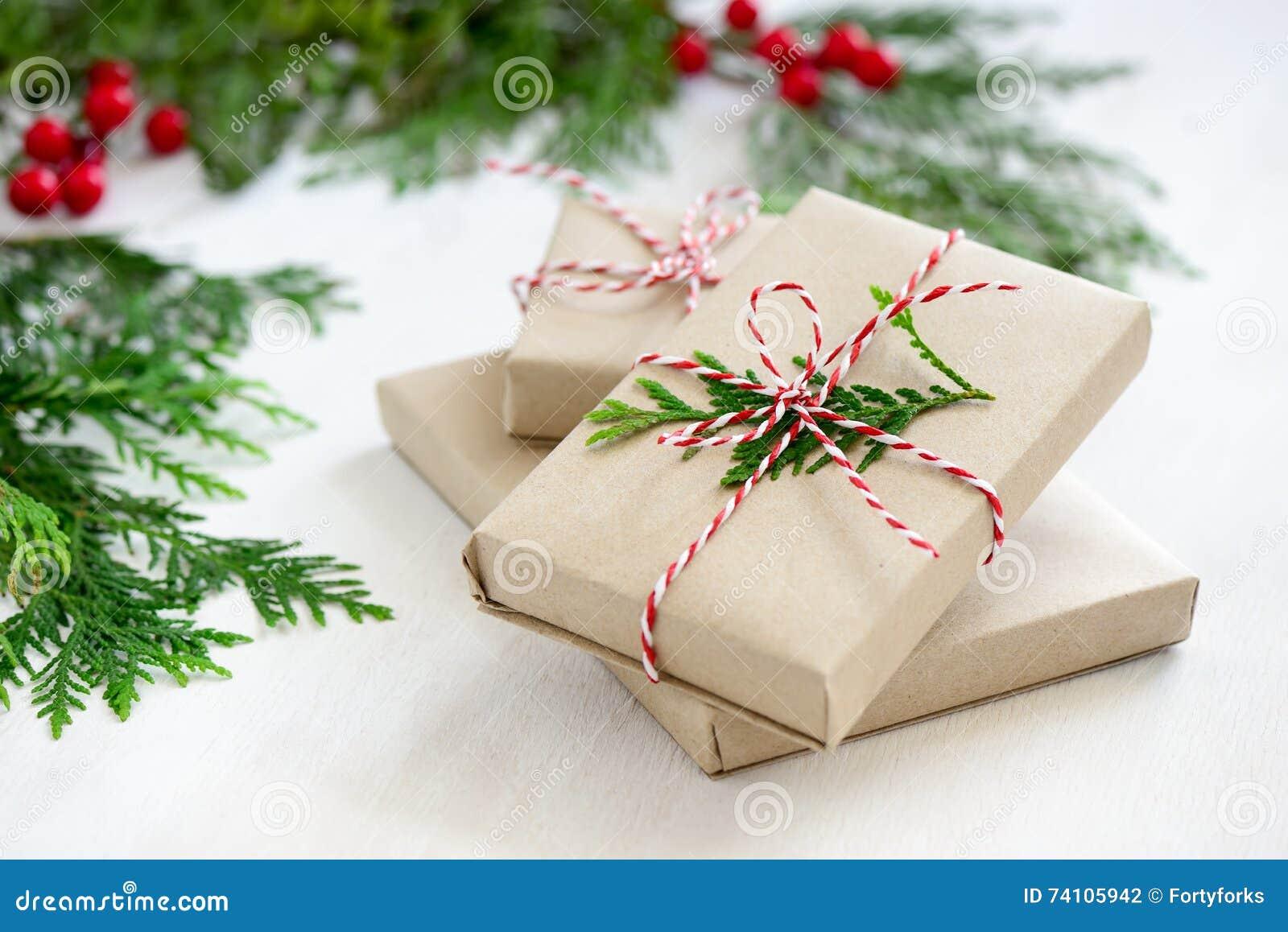 De stapel van Kerstmisgiften
