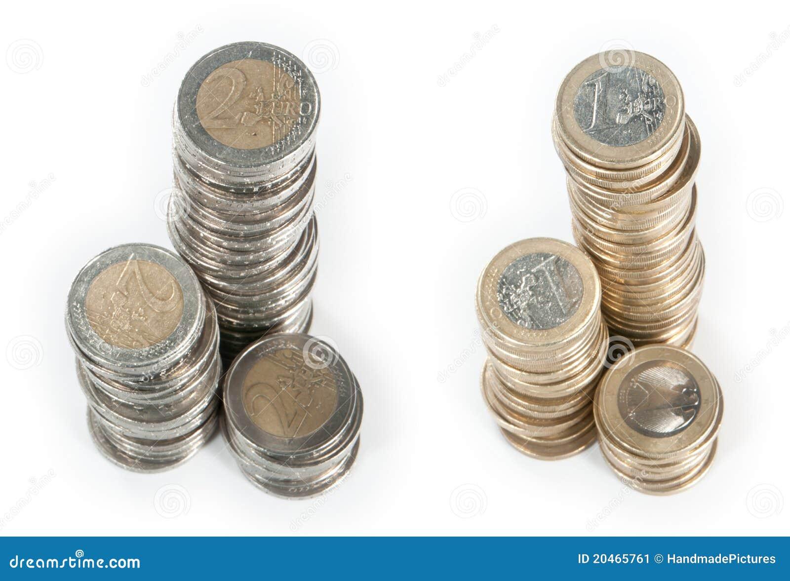 de stapels van het geld 1 euro en 2 euro stock afbeelding afbeelding bestaande uit bankwezen. Black Bedroom Furniture Sets. Home Design Ideas