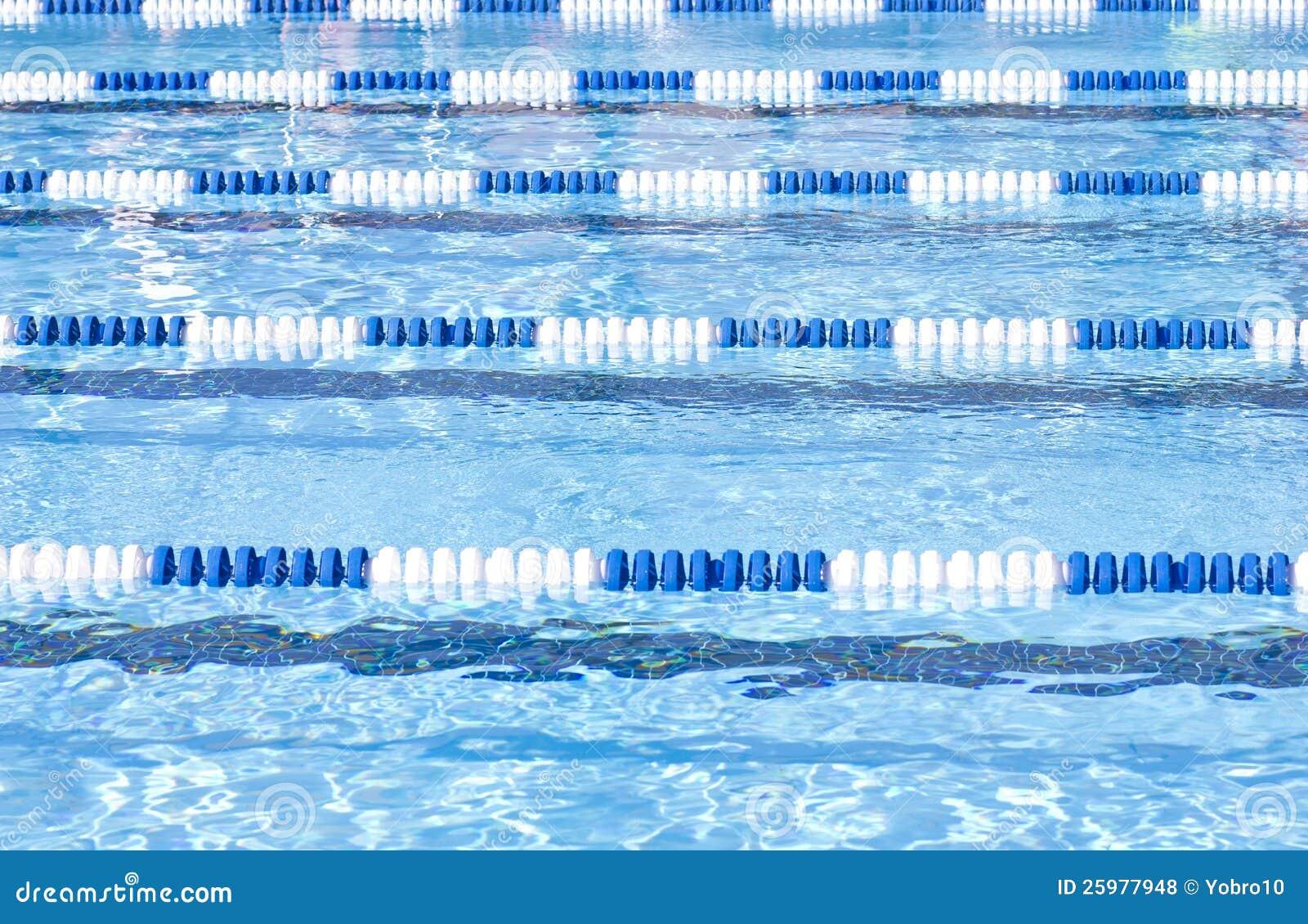 De Stegen van het Zwembad