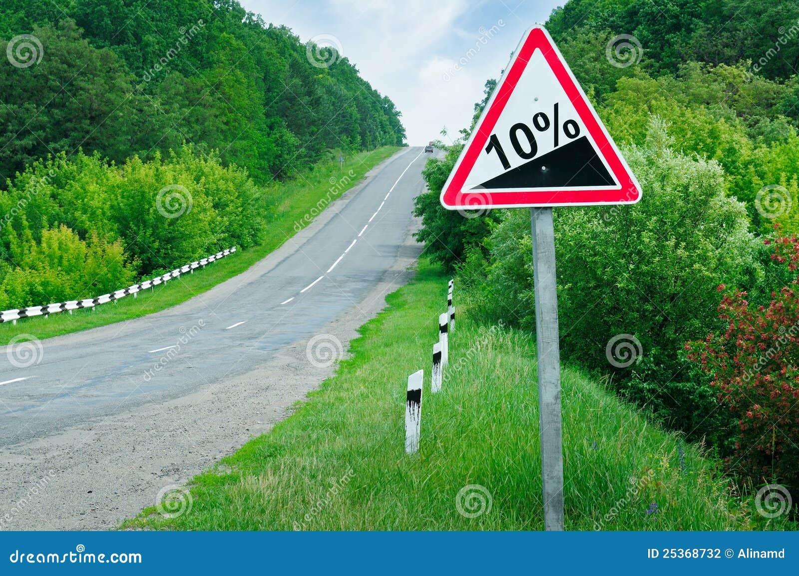 De steile helling van verkeersteken stock foto afbeelding 25368732 - Tuinmeubilair op een helling ...