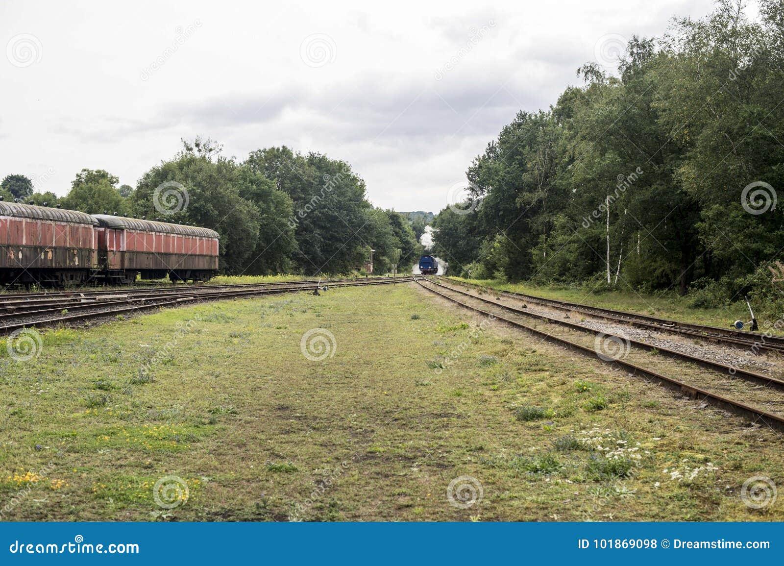 De stoomtrein is ver weg