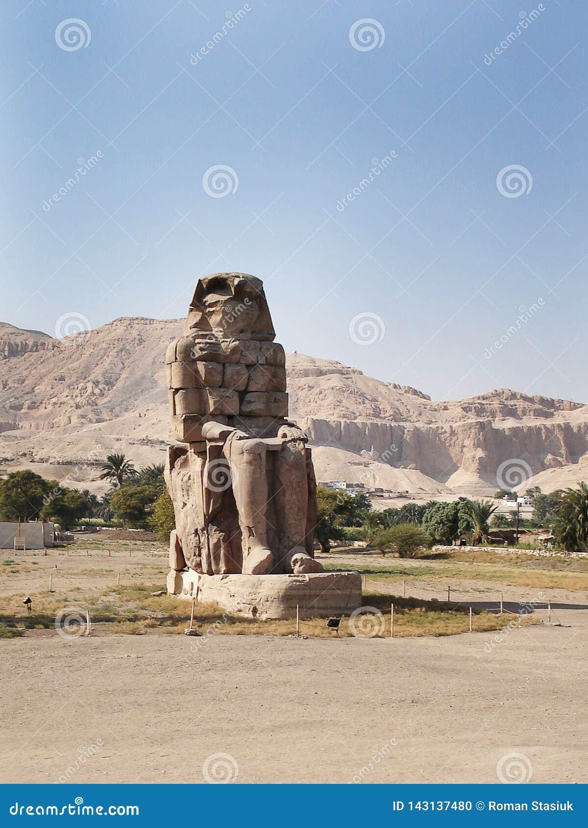 De stora kolosserna av Memnon, Luxor, Egypten