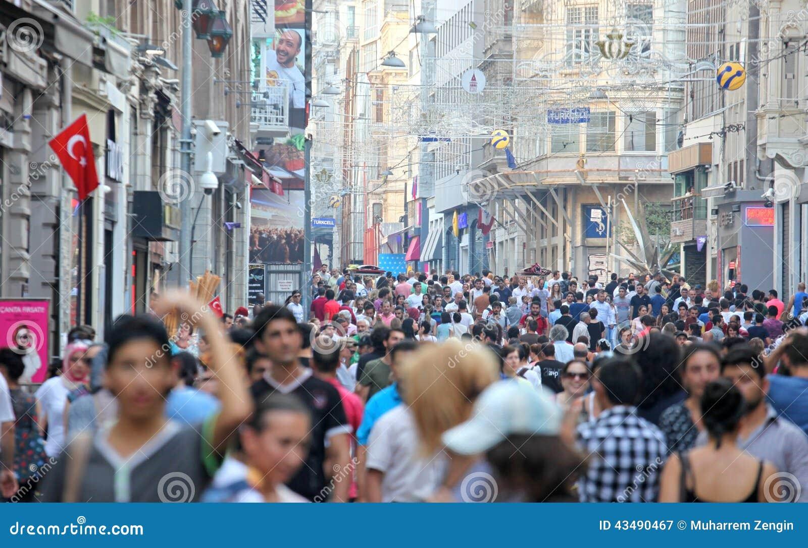De Straat van Istiklal van Taksim