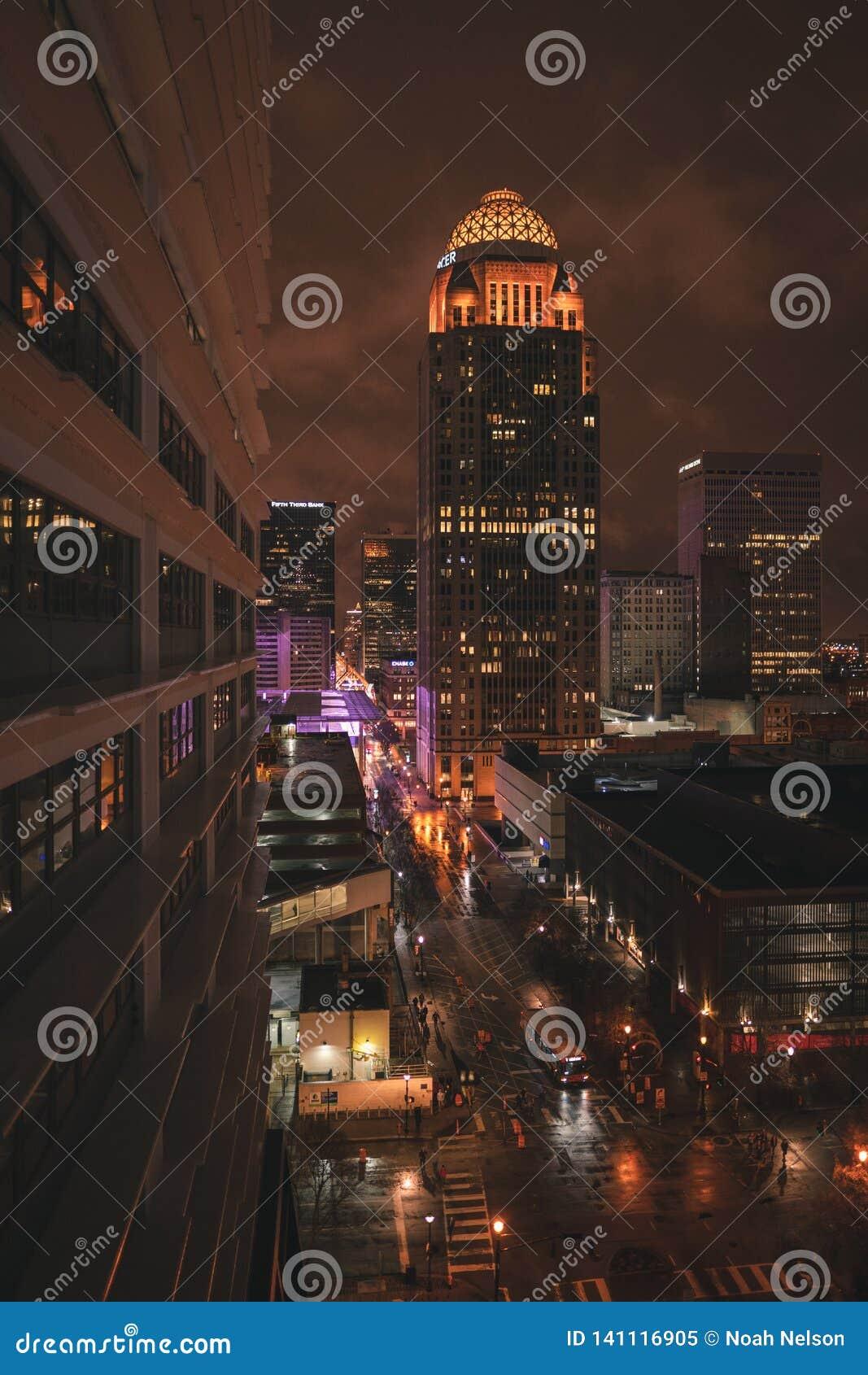 De straat van de stadsnacht