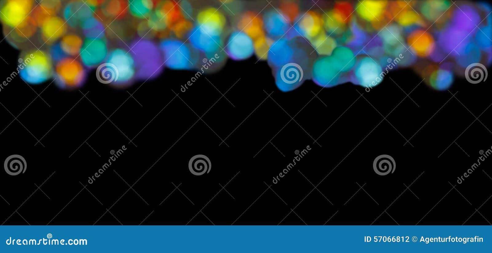 De streep omcirkelt veelkleurige zwarte achtergrond