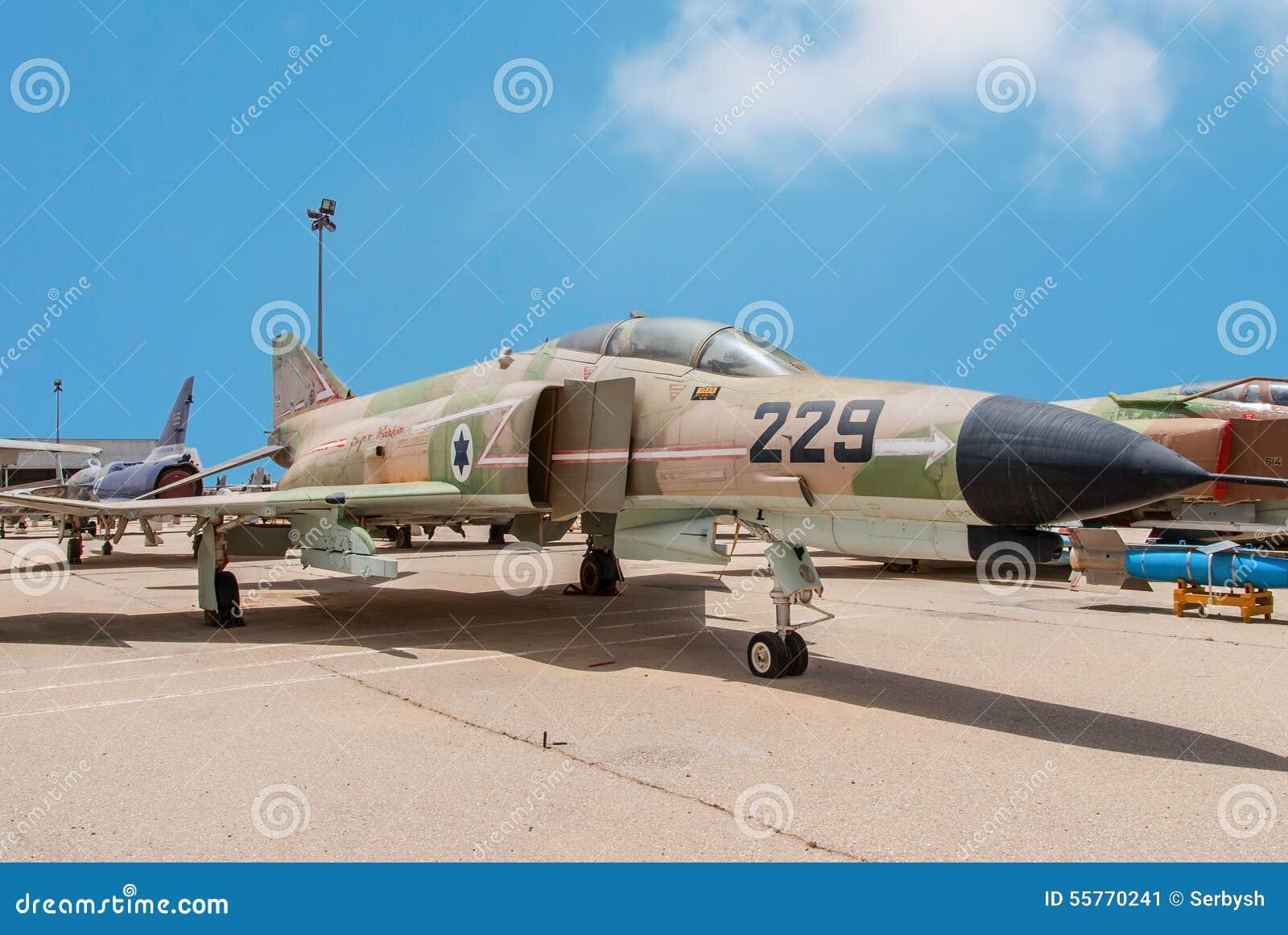 De Super Spookvliegtuigen van McDonnell Douglas F-4E