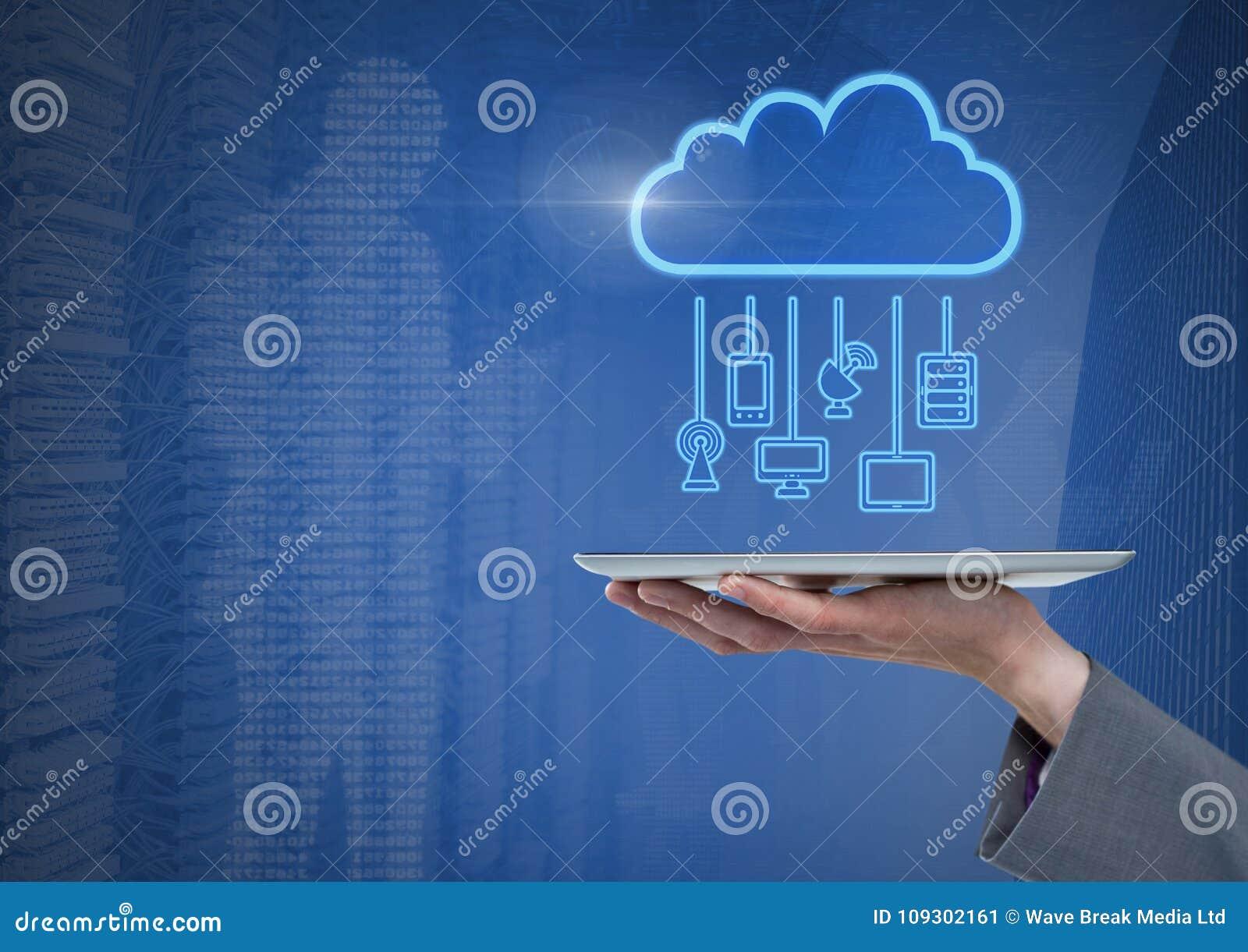 De tablet van de handholding met wolkenpictogram