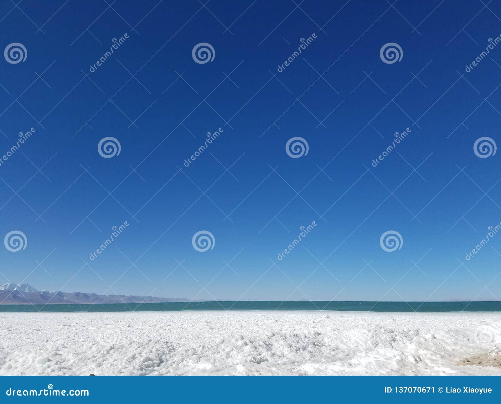 De Tanggulabergen worden gevestigd bij de grens tussen het noordoostelijke Autonome Gebied van Tibet van China en Qinghai-Provinc