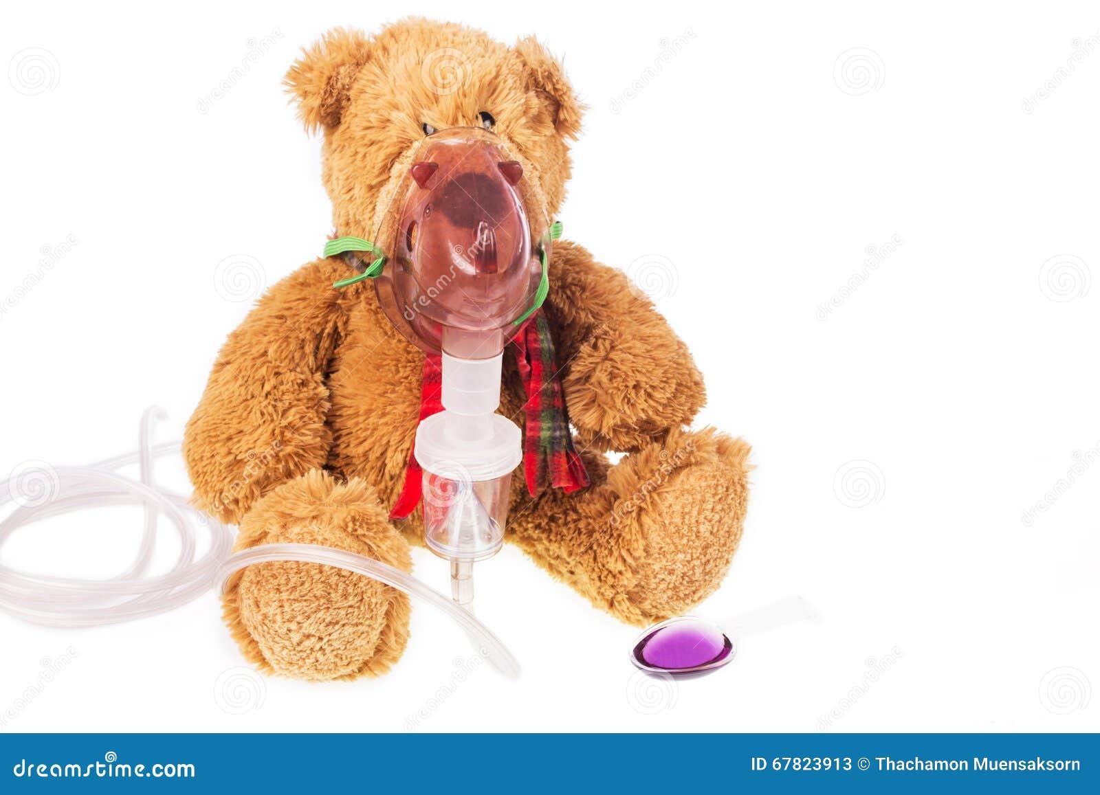 De teddybeerzieken in inhaleertoestel maskeren