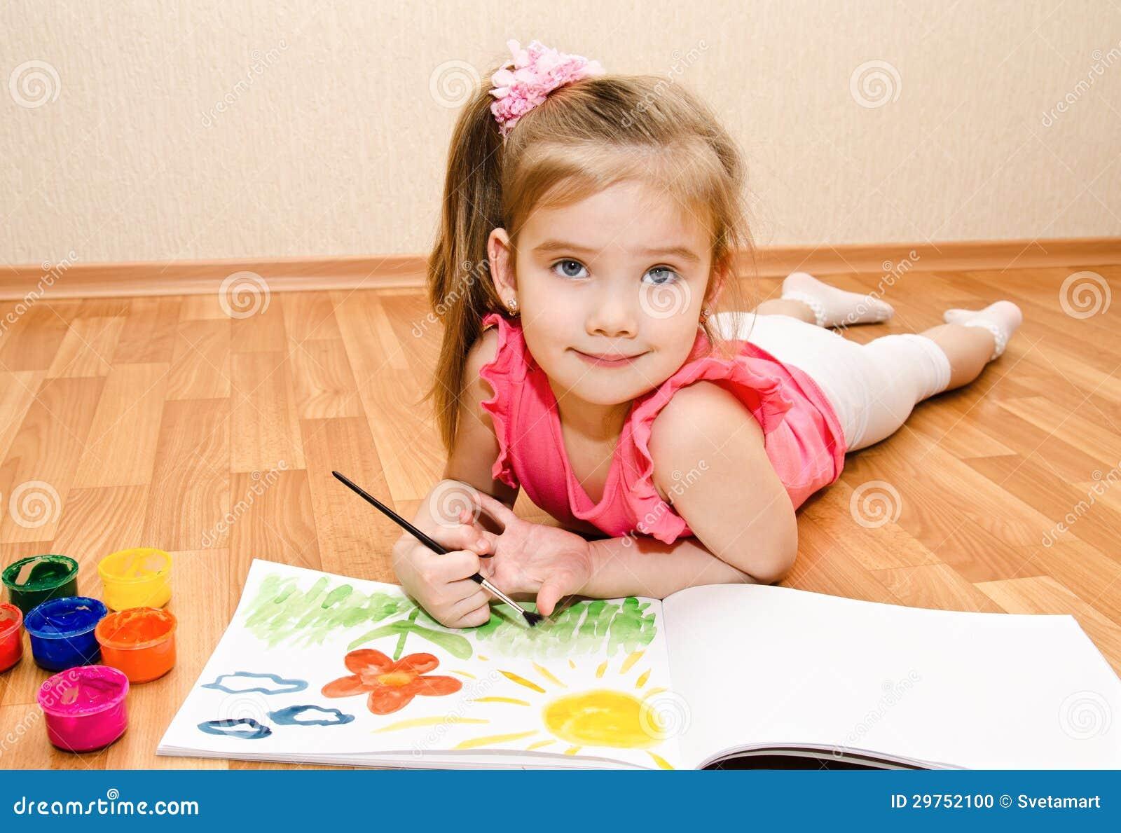 De tekening van het meisje met verf stock foto beeld 29752100 - Beeld het meisje van ...