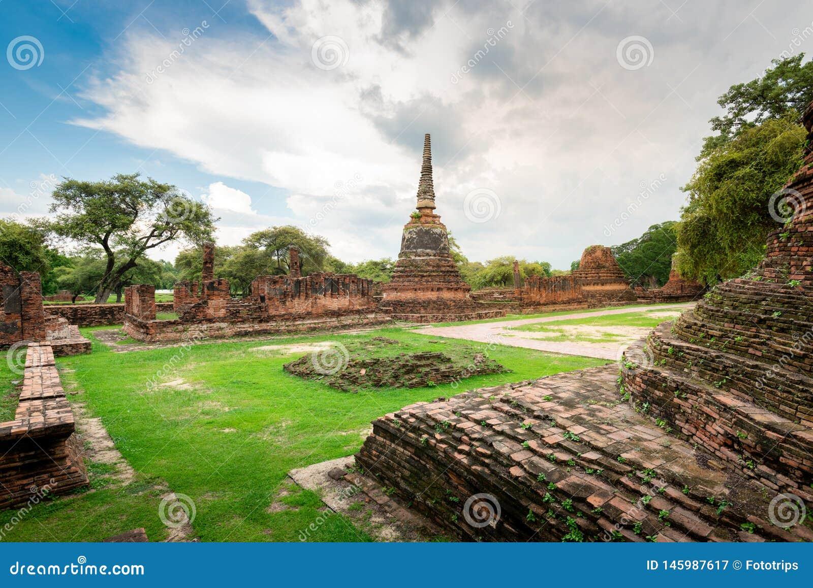 De Tempel van Thailand - Oude pagode in Wat Yai Chai Mongkhon, het Historische Park van Ayutthaya, Thailand