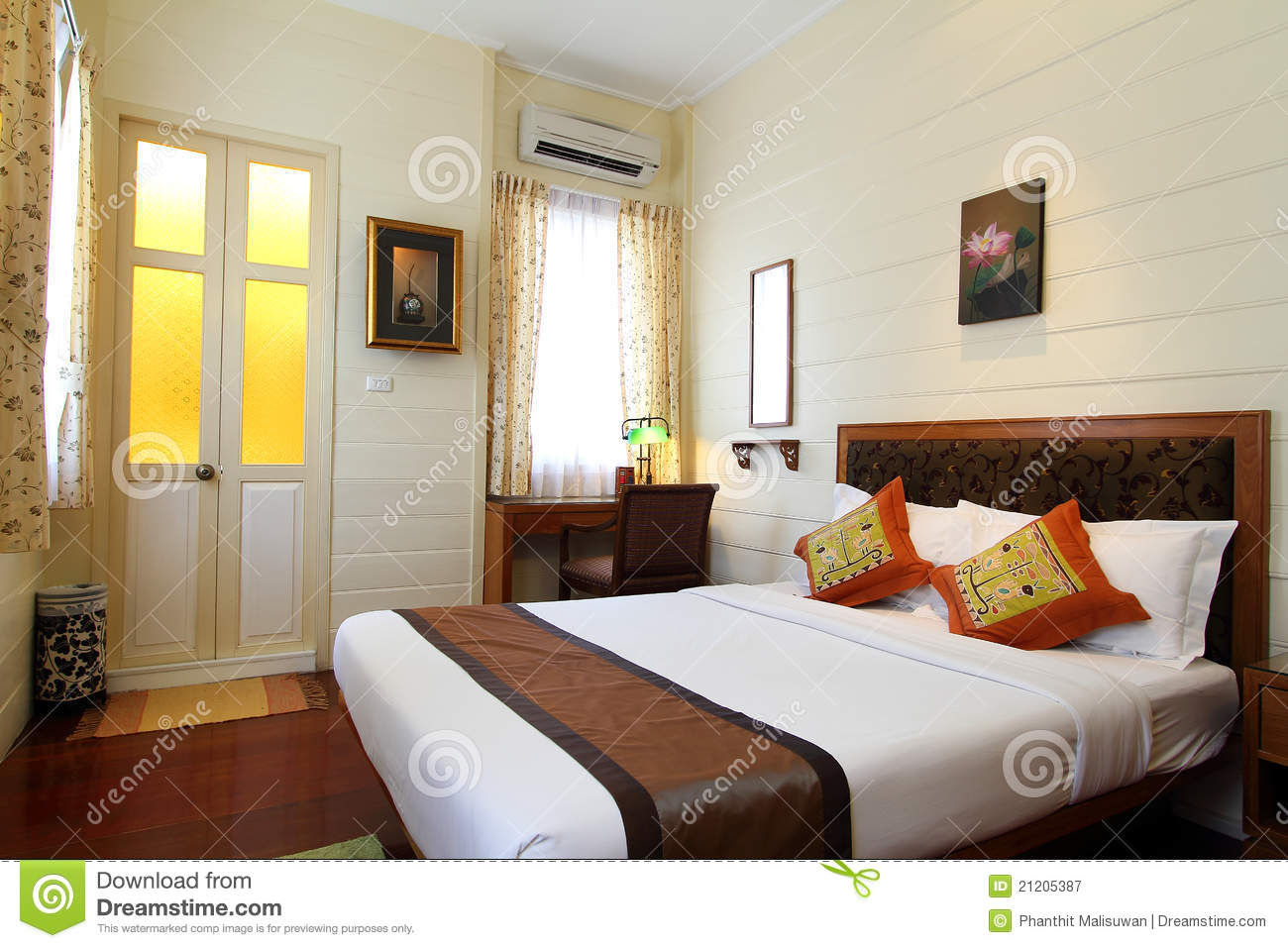 Stock foto: thai style tropical hotel bedroom. afbeelding: