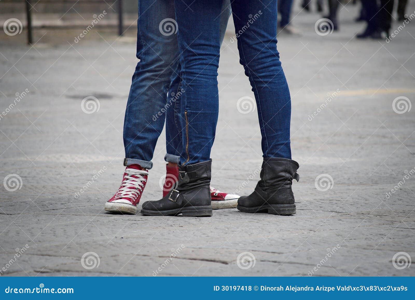 De benenpaar van tieners