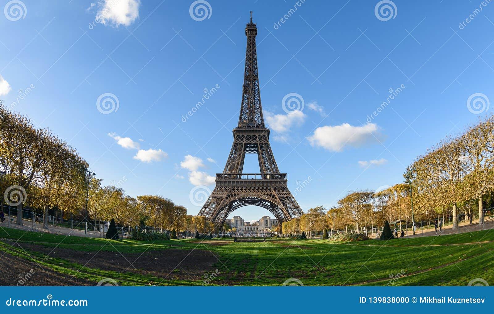 De Toren van Eiffel en Gebied van Mars