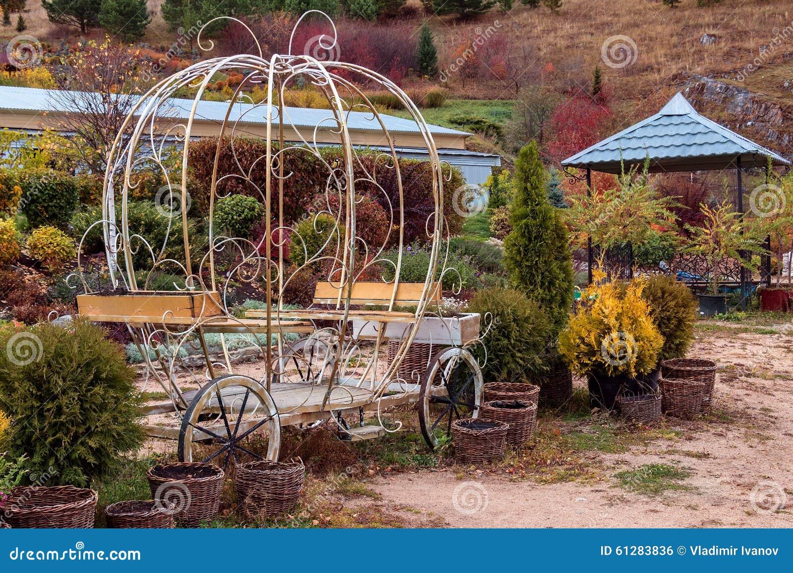De tot bloei komende vallei in de stad van belokurikha stock foto afbeelding 61283836 - Schorsing bloei stad ...