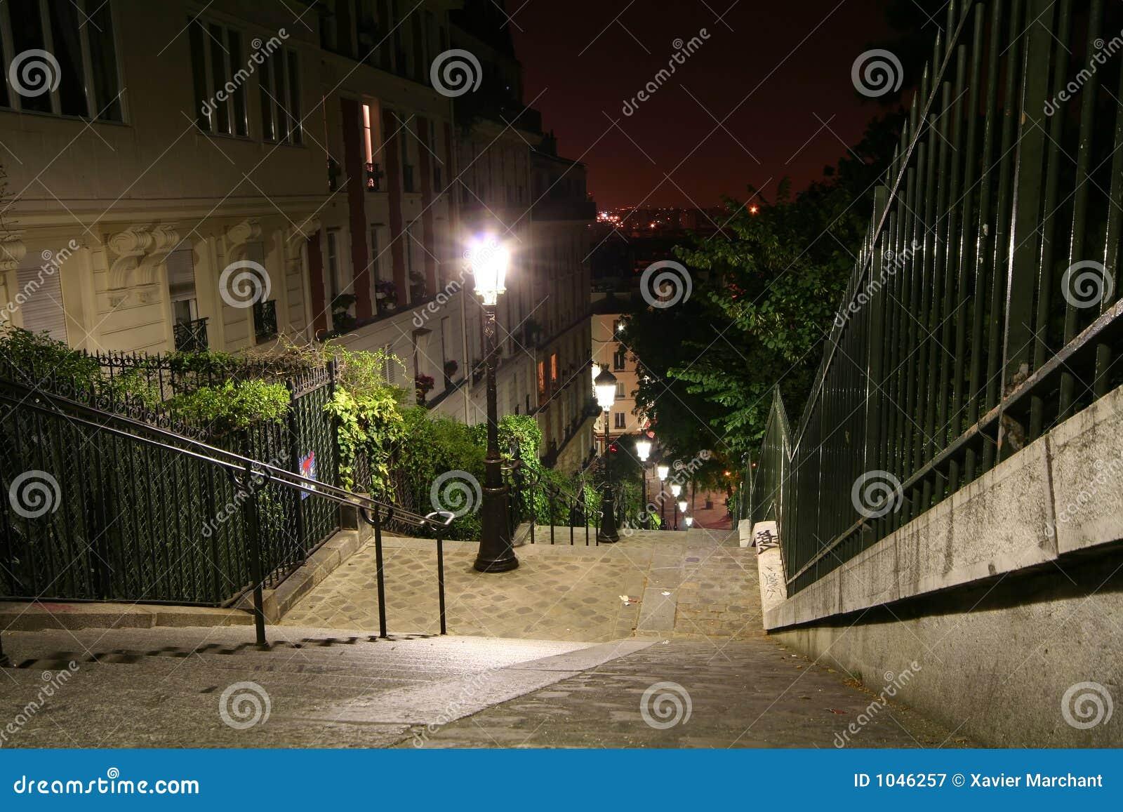 De trap van montmartre stock afbeelding afbeelding bestaande uit huis 1046257 - Huis trap ...