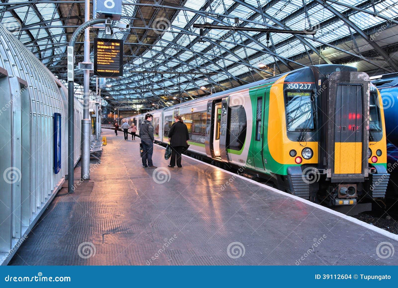 De trein van het Binnenland van Londen