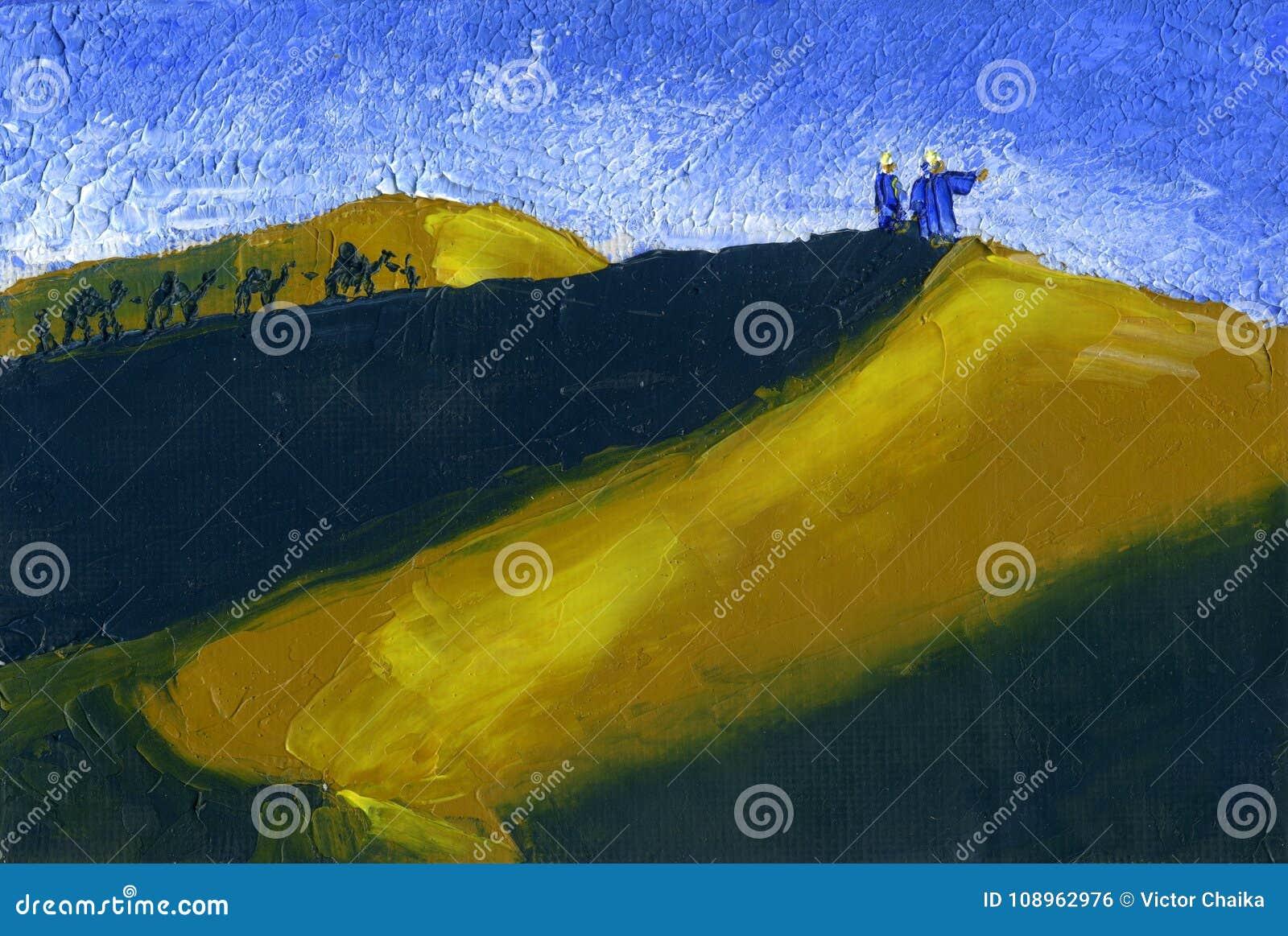 De trein van kamelen gaat door de woestijn Zonsondergang