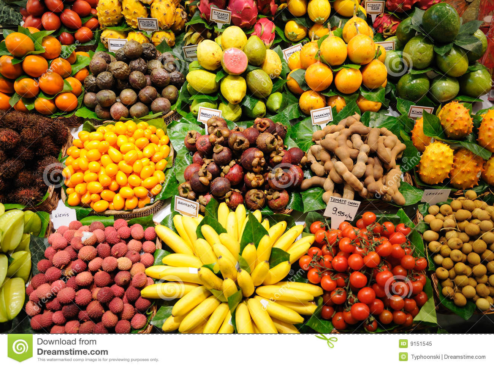 De tribune van vruchten binnen bij markt, Barcelona