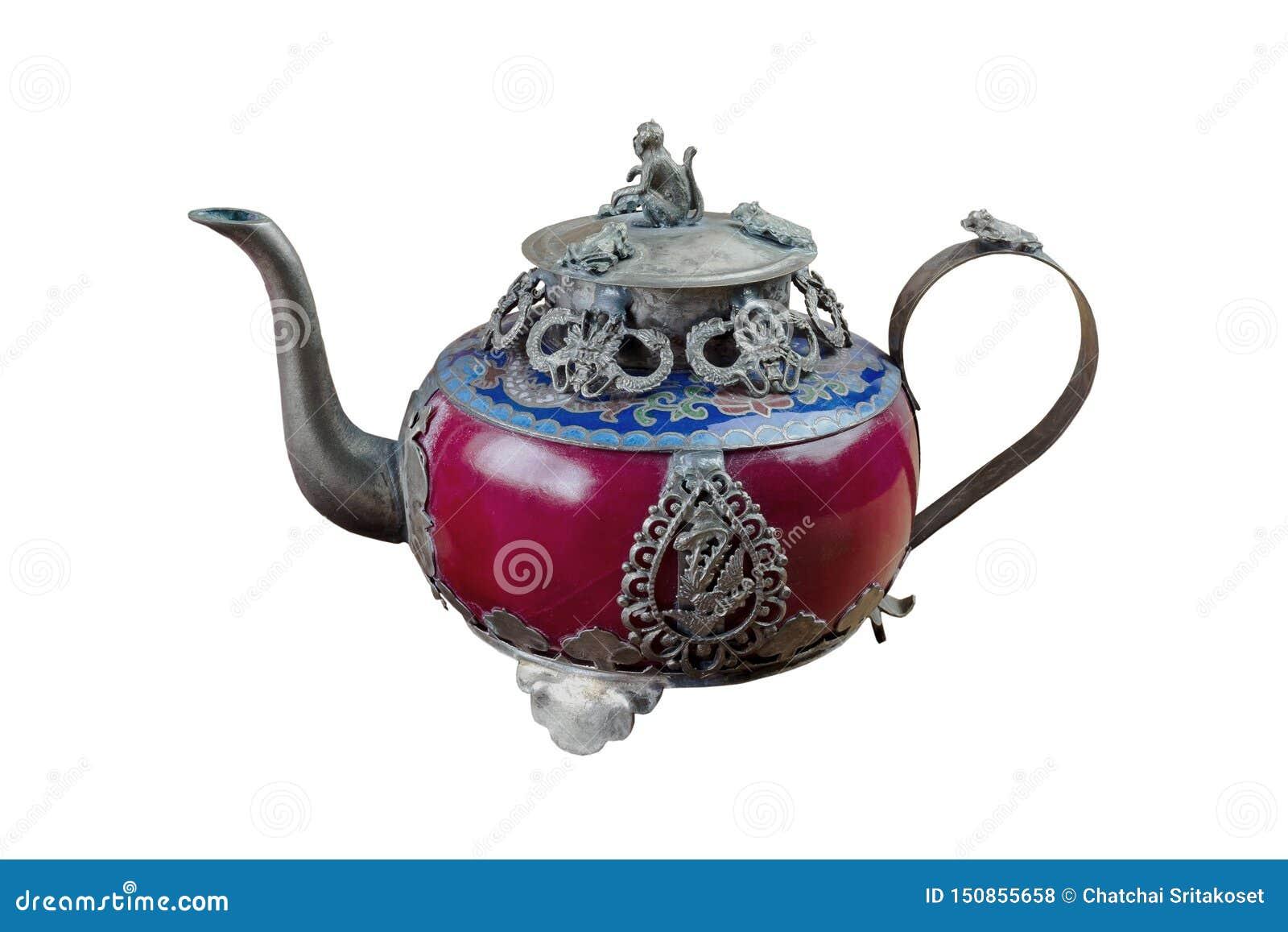 De uitstekende Chinese theepot dat van oude jade wordt gemaakt en Tibet verzilveren met aapdeksel Op witte achtergrond