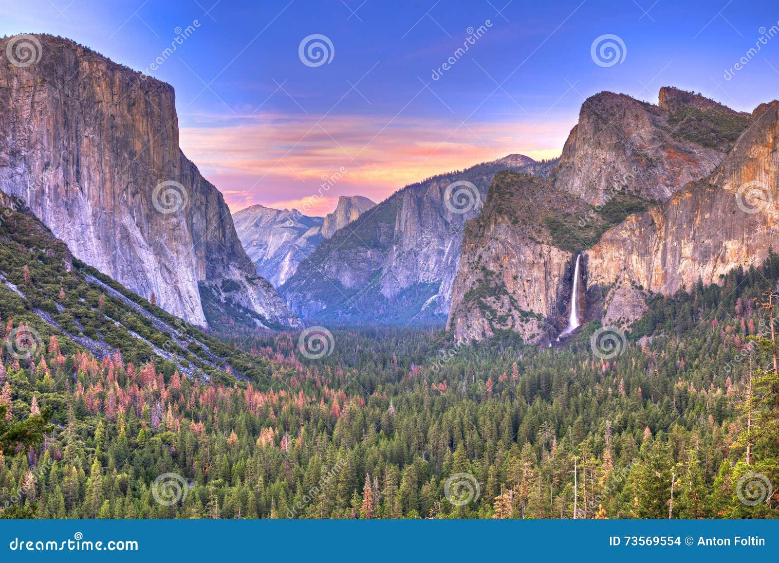 De Vallei van Yosemite bij de Mening van de Tunnel