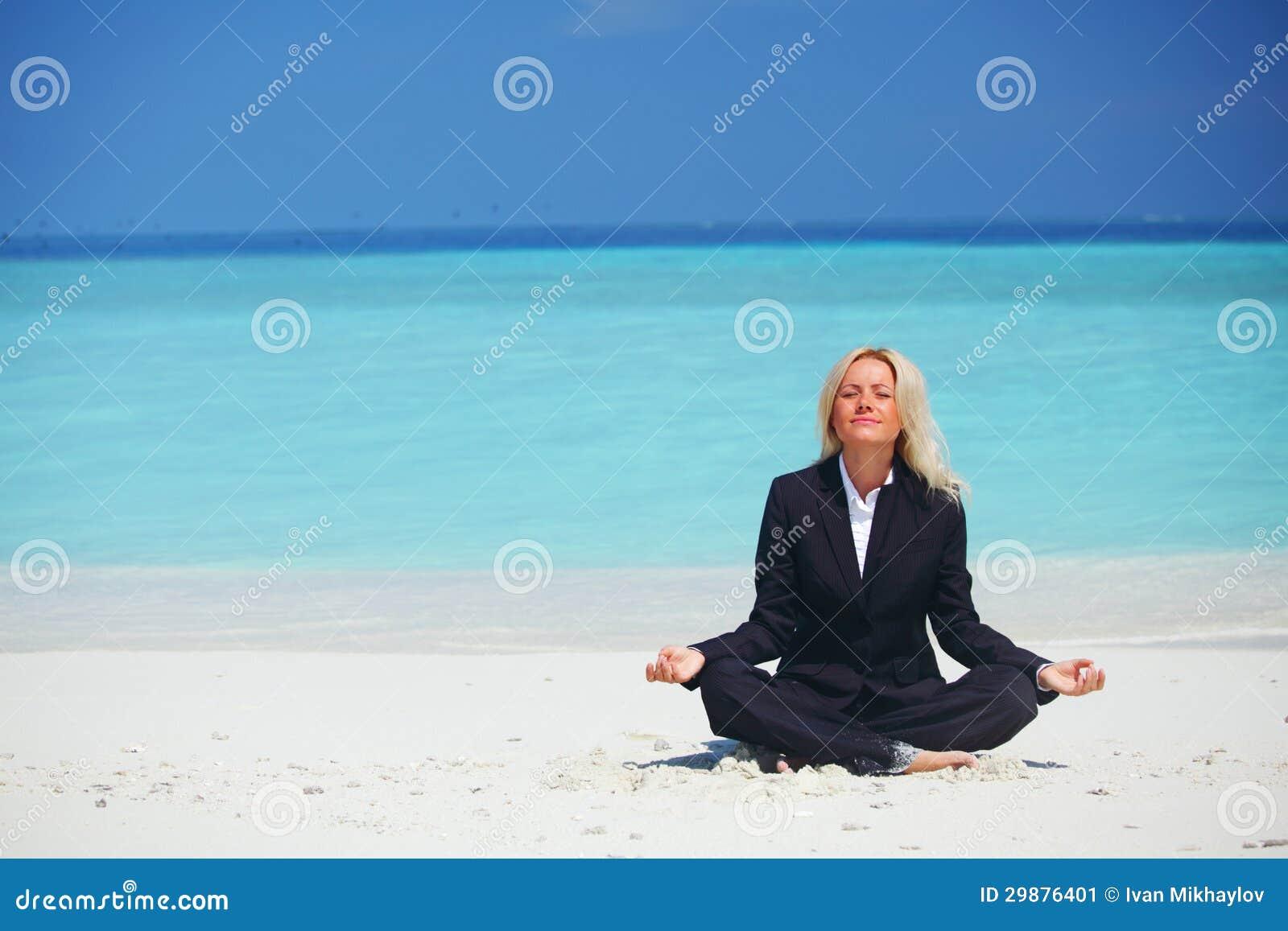 Van de bedrijfs yoga vrouw