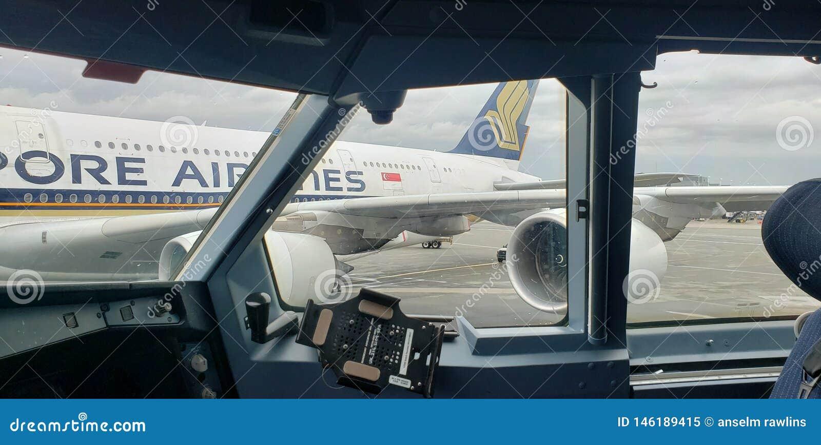 De venstersvliegtuig van de vooruitzichtmening