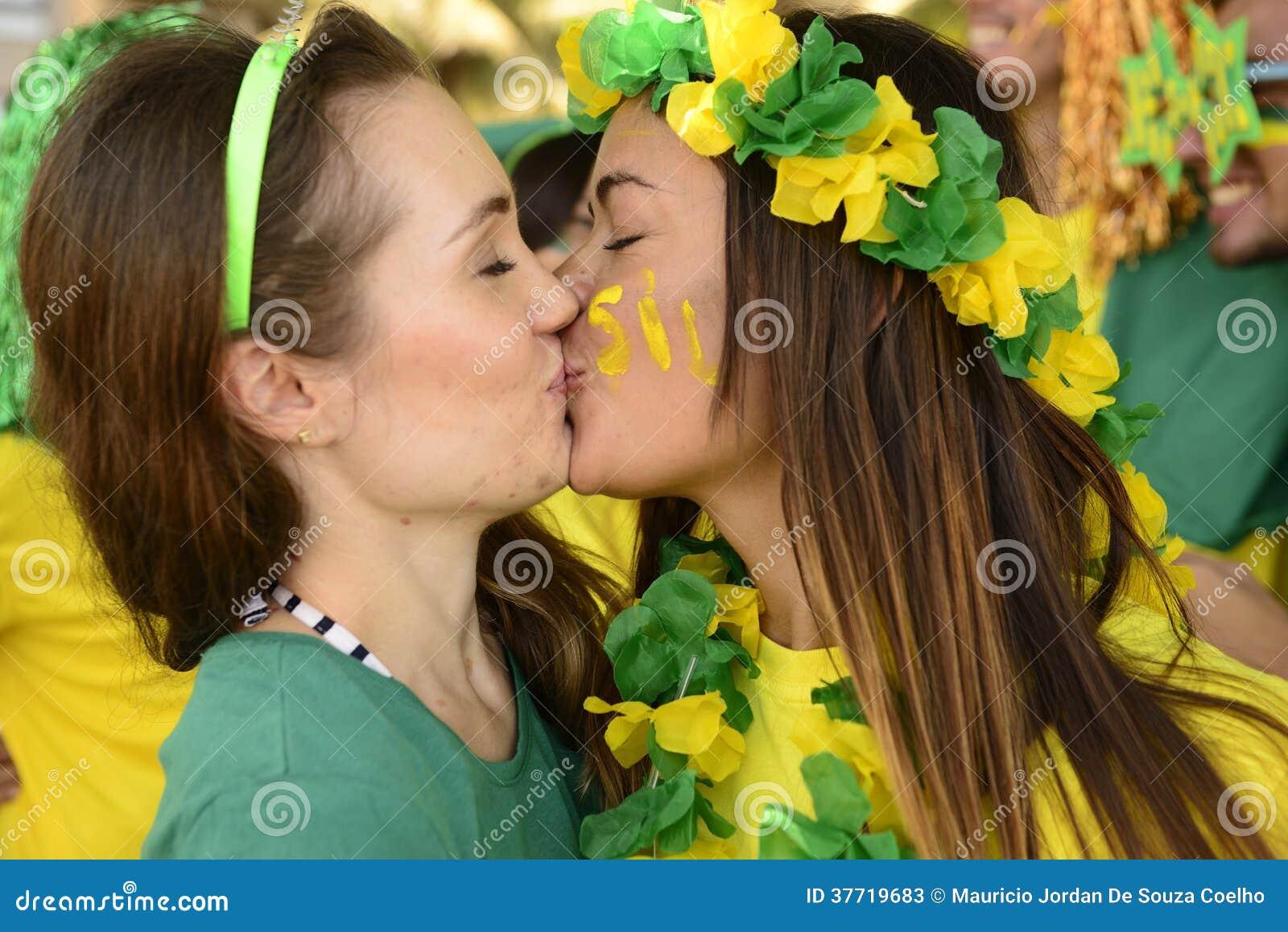 De ventilators van het vrouwenvoetbal het kussen