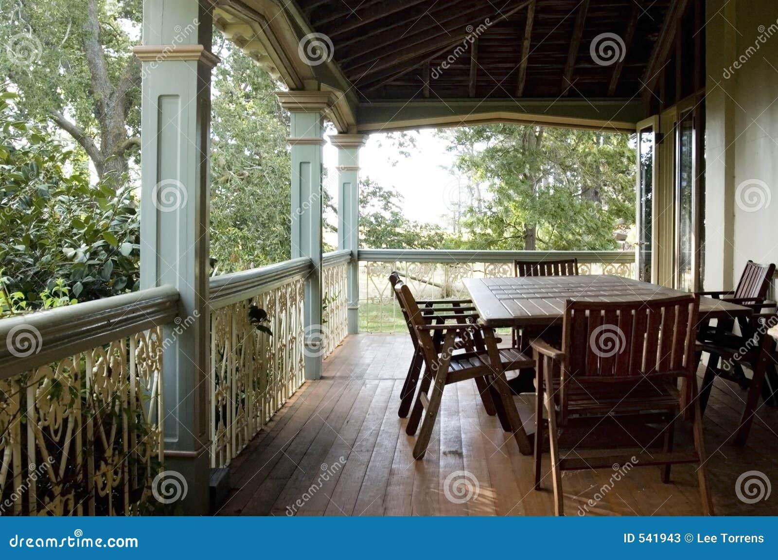 De veranda van het land stock foto 39 s afbeelding 541943 - Veranda decoratie ...