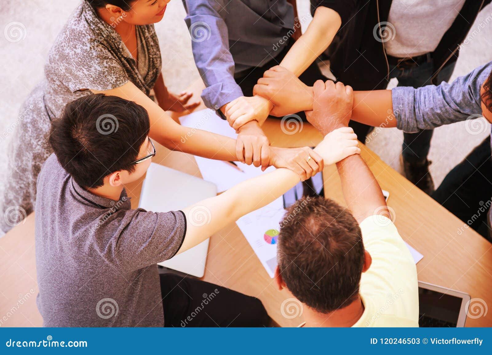 De Vergadering van het bedrijfsmensengroepswerk het toetreden dient bureauconcept in, Gebruikend Ideeën, Grafieken, Computers, Ta
