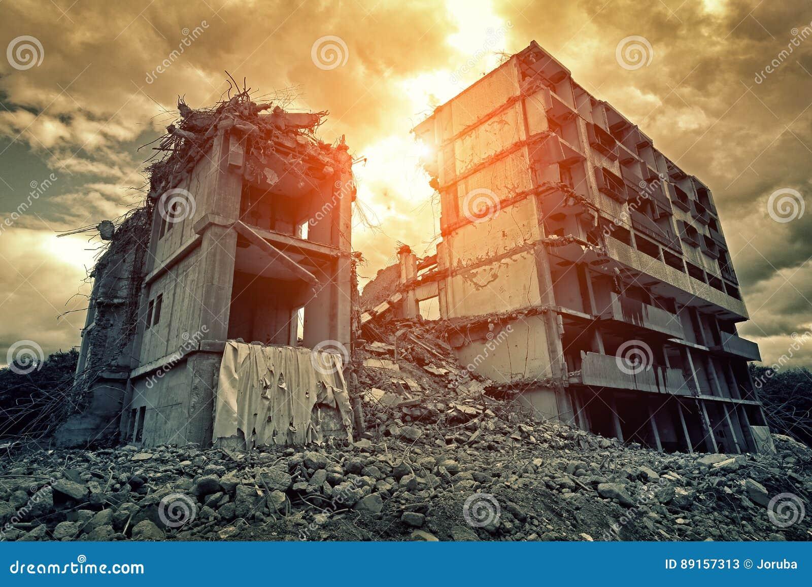 De vernietigde bouw