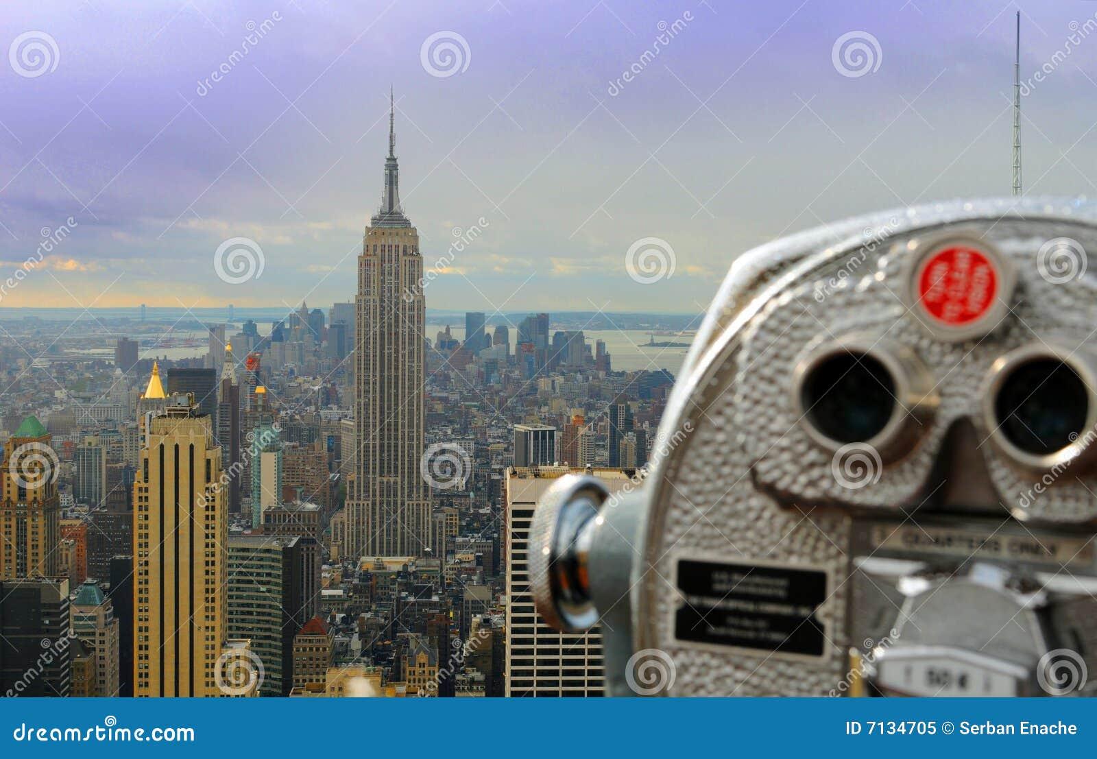 De verrekijkers van de toerist in New York