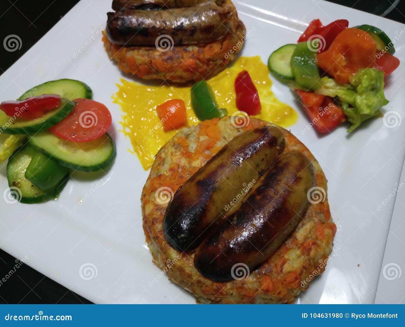 Download De Verse Gekookte Worsten Van Lincolnshire Op Hamburgerbroodjes Stock Foto - Afbeelding bestaande uit gekookt, verfraaid: 104631980