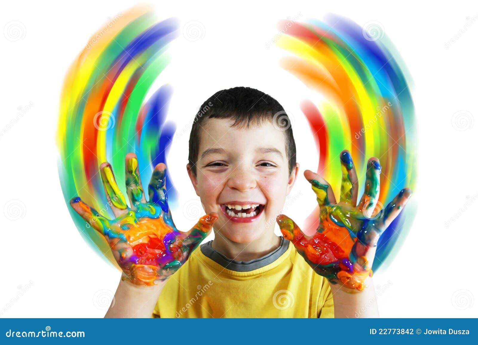 De verven van de jongen kleuren cirkels door handen stock fotografie afbeelding 22773842 - Turquoise ruimte van de jongen ...