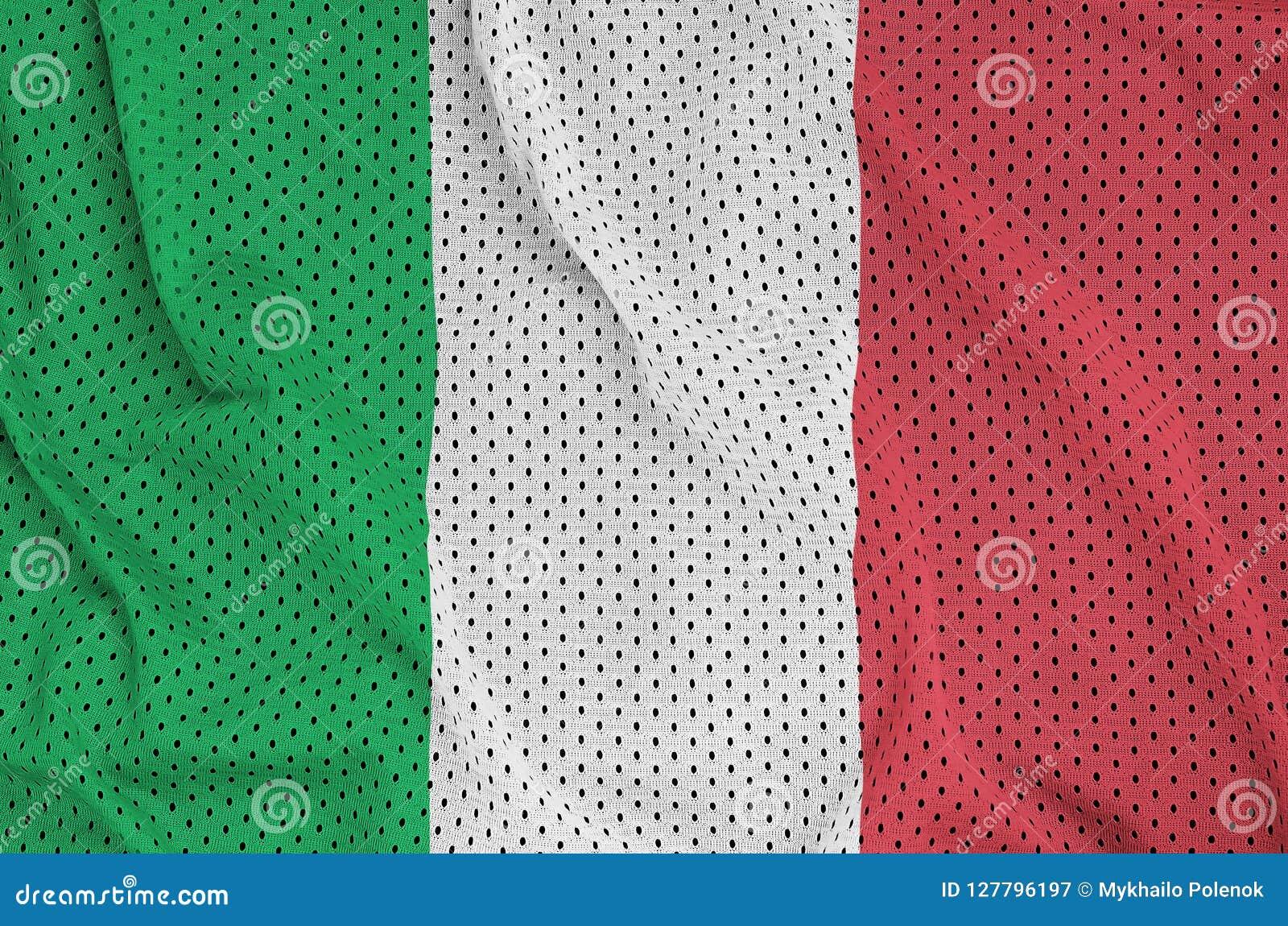De vlag van Italië op een het netwerkstof wordt gedrukt w dat van de polyester nylon sportkleding
