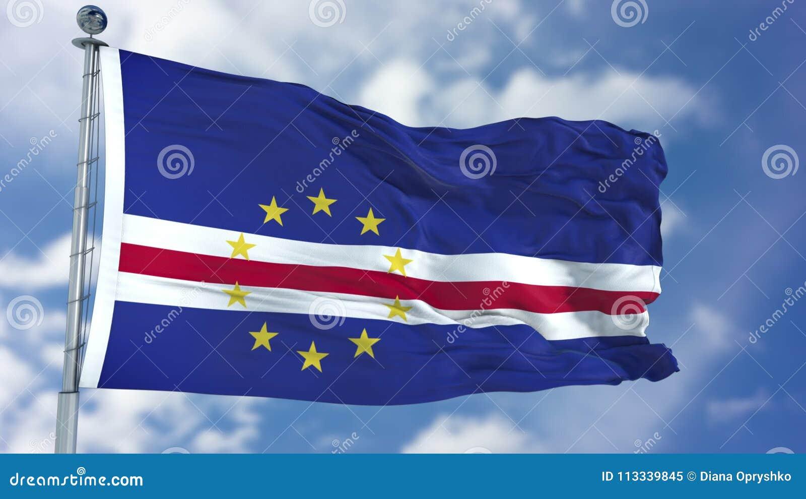 De Vlag van Kaapverdië in een Blauwe Hemel