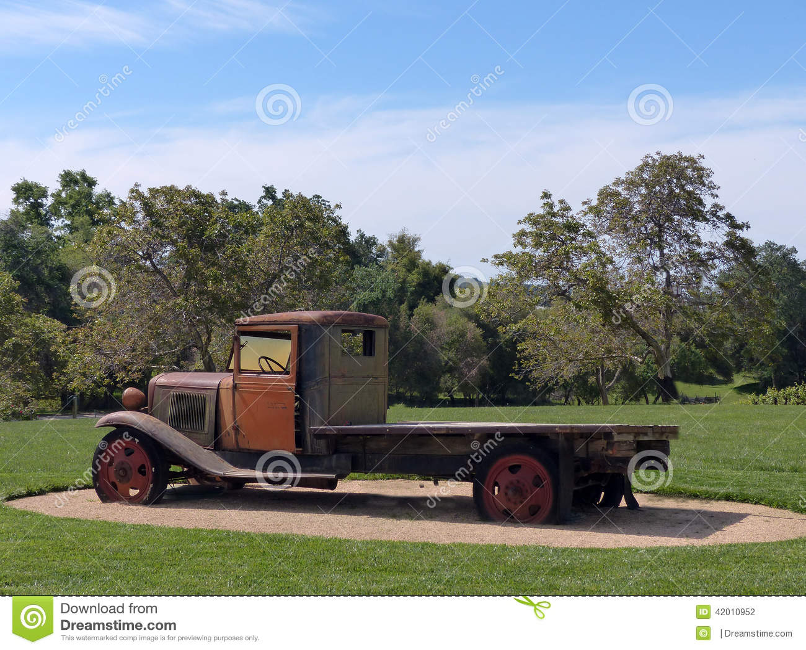 De vlakke Vrachtwagen van het Bed